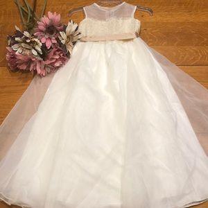 Other - Elegant Dress For Girls